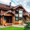 Дома из оцилиндрованного бревна. Как их строят?