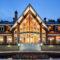 Элитные деревянные дома. Почему так популярны дорогие коттеджи из дерева?