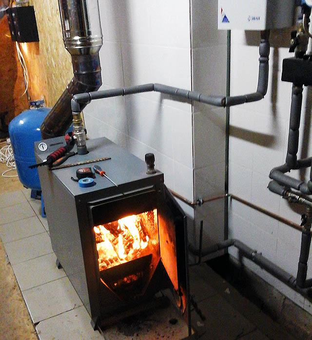 Какое отопление коттеджа лучше: центральное или автономное. Чем дешевле отопить дом?
