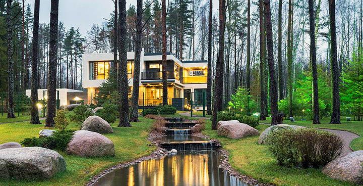 Где найти дом, дачу, коттедж в живописном месте в Подмосковье?