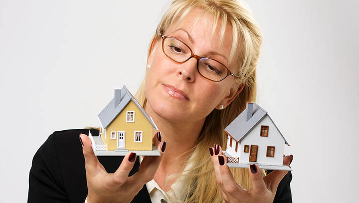 Стоит ли покупать, продавать дом через агента? И какова стоимость риэлторских услуг?