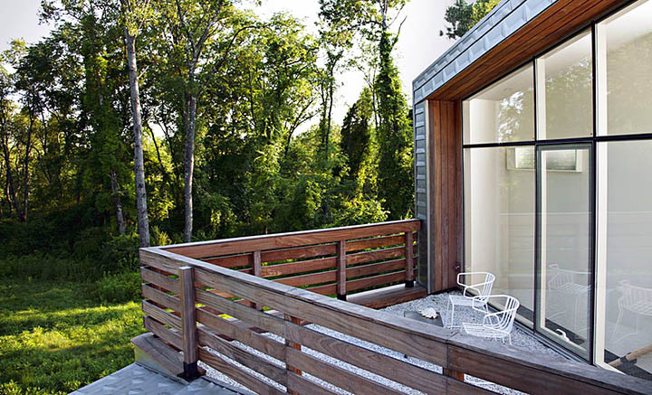 Балконы и террасы в частных домах и коттеджах: виды, проекты, дизайн