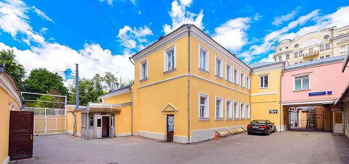 Дома и коттеджи с московской пропиской. Какие поселки представлены в столичном частном секторе?