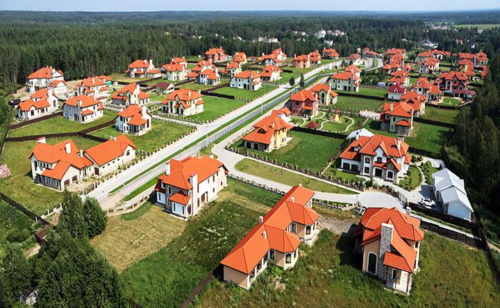 Большие по площади и размеру коттеджные поселки - это хорошо или плохо?