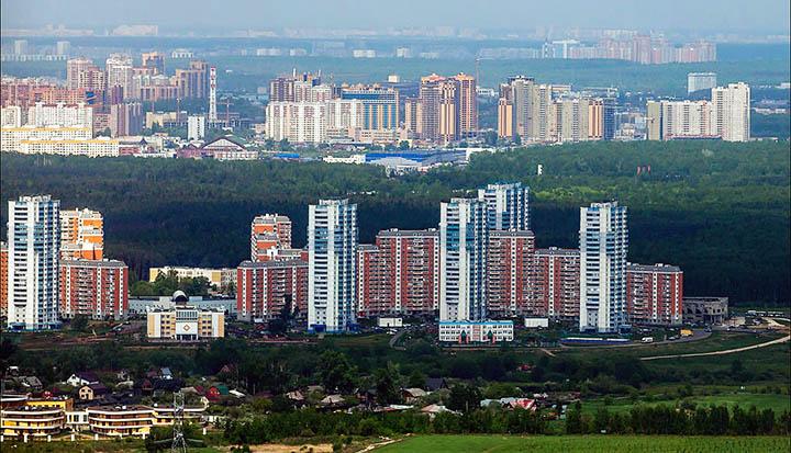 Какие районы, города и поселки находятся ближе всего ко МКАД?