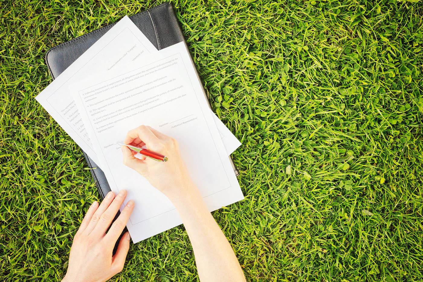 как получить права собственности на дом и землю какой пост занимает сечин