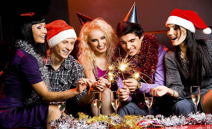 Сколько стоит снять дом на Новый год? Цена аренды коттеджа в Подмосковье?