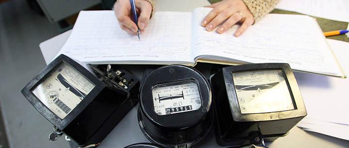 Тарифы на электроэнергию для дачи: одноставочный или двухставочный? Какой план и счетчики будут выгоднее?
