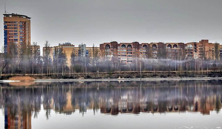 Город Дубна: красиво, на берегу Волги, но далеко от Москвы