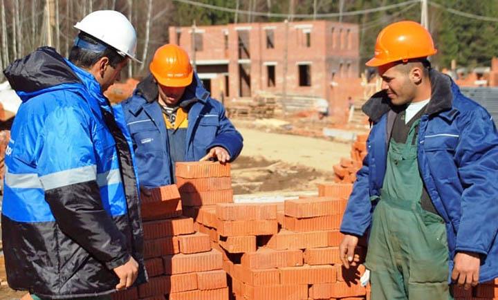 Как правильно контролировать строительство (стройку) загородного дома?