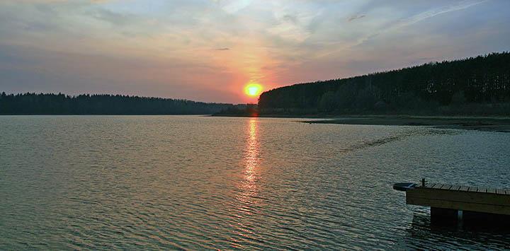 Участки на берегу реки (озера, водоема). Что важно знать? Особенности. Плюсы и минусы