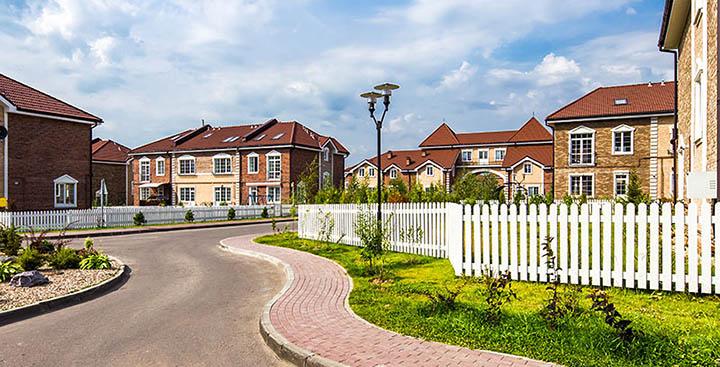 Выбираем жилье на Пятницком шоссе: чем дом и таунхаус лучше, чем квартира в Митино?