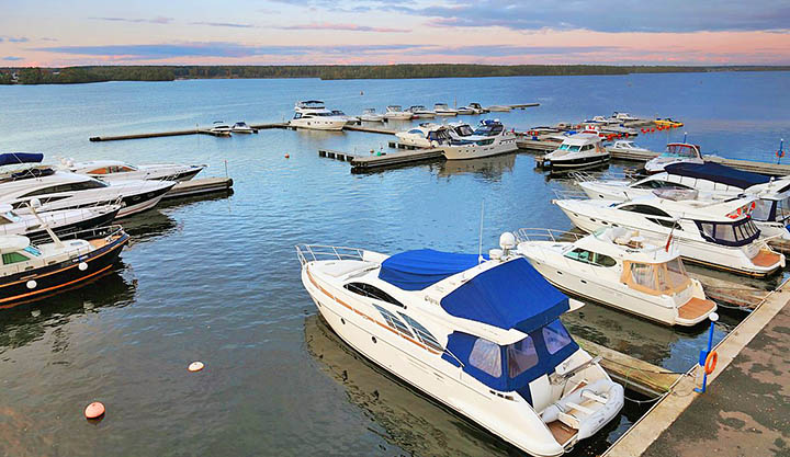 Лучшие загородные яхт-клубы Подмосковья. Где покататься на яхте в Московской области?