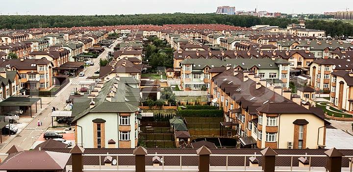 Таунхаус в городе и за городом. В чем отличия московских таунхаусов от загородных?