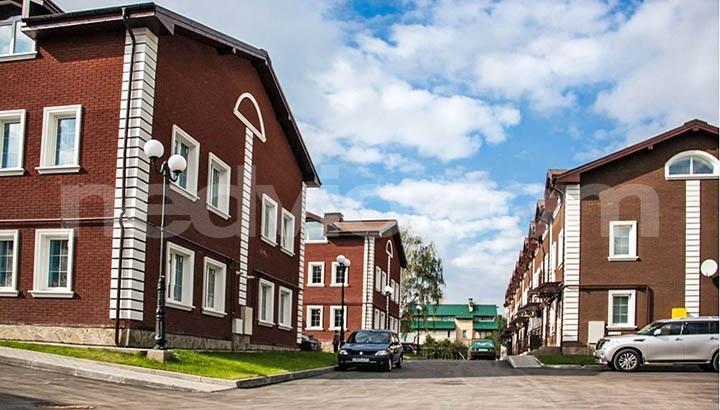 Где лучше купить таунхаус: по Калужскому или Киевскому шоссе?