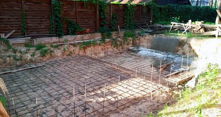 Бассейн в частном доме. Как правильно его выбрать, построить и обслуживать?