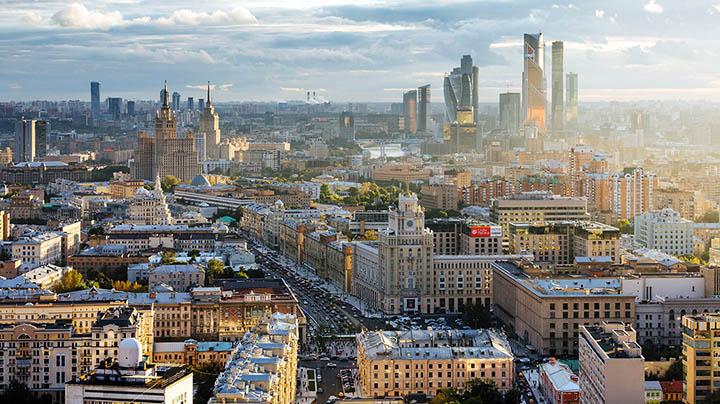 Квартира в Москве и работа в столице. А есть ли альтернатива?