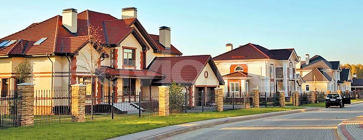 Продать квартиру и уехать жить за город. Стоит ли?