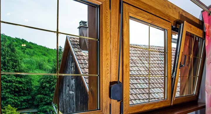 Выбираем окна, откосы и подоконники в загородный дом