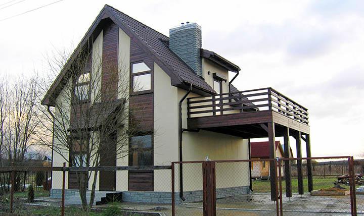 Можно ли построить балкон в уже готовом доме (коттедже)?