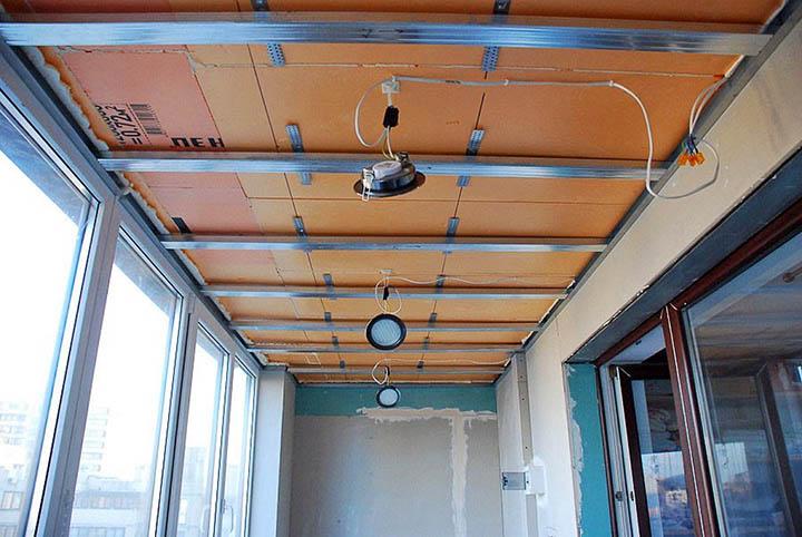 Внутренняя отделка балкона. Как она делается? И какие нюансы нужно учесть?