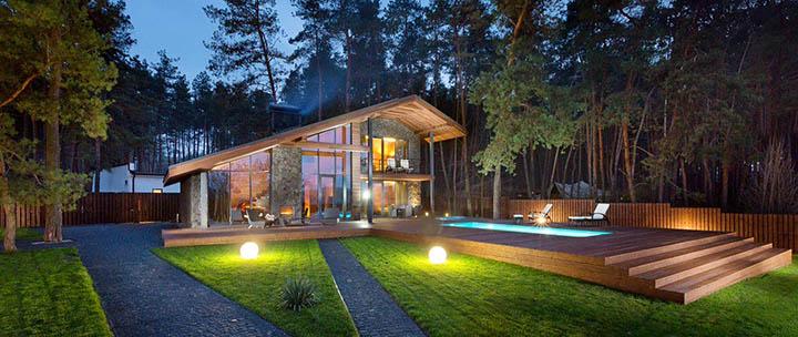 Какими бывают загородные коттеджи и дома? Их виды и стили