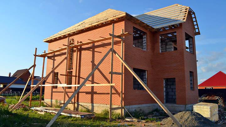 В чем плюсы постройки дома из керамического кирпича?