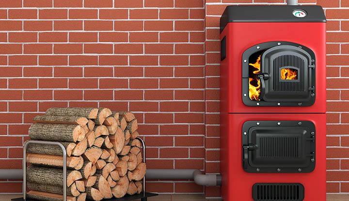 Что лучше: печное или водяное отопление частного дома?